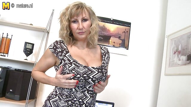 कोई पंजीकरण Porno  स्कारलेट टैटू और सनी लियोन के सेक्सी मूवी बीएफ पियरेड चूसने